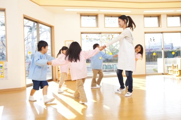 teacherdancingwithkids